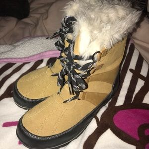 Tan Merona winter snow boots size 11